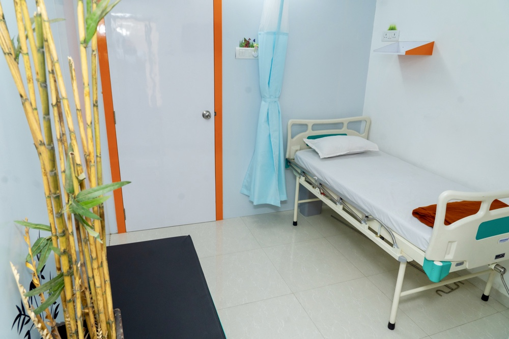 Akruti IVF Patient Bed