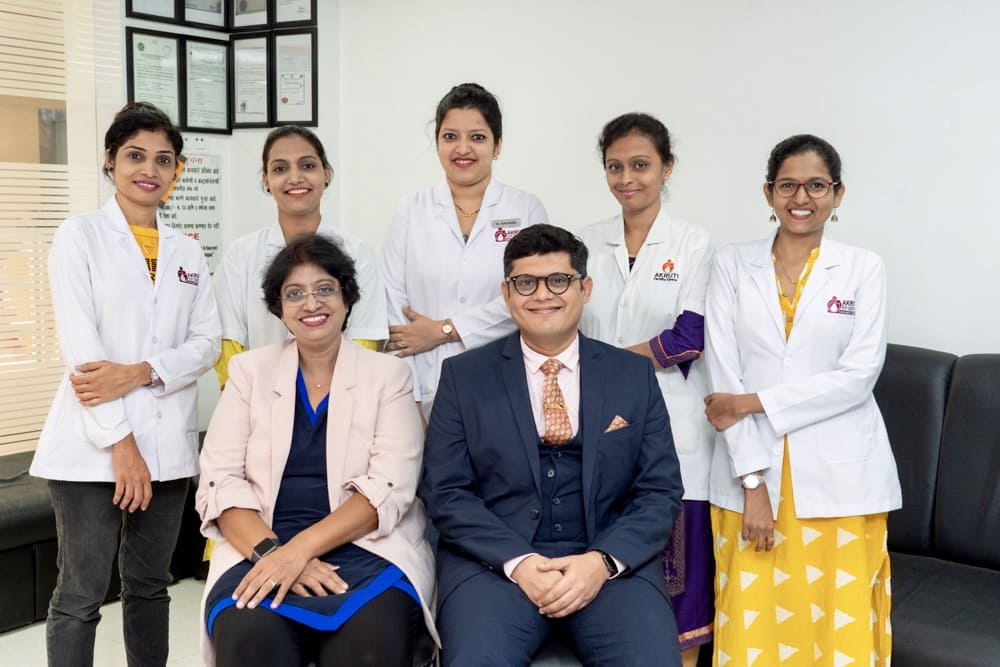 Team of trained embryologists and gynecologists